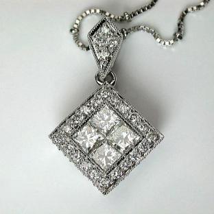 隱密式鑲嵌鑽石,墜飾/>