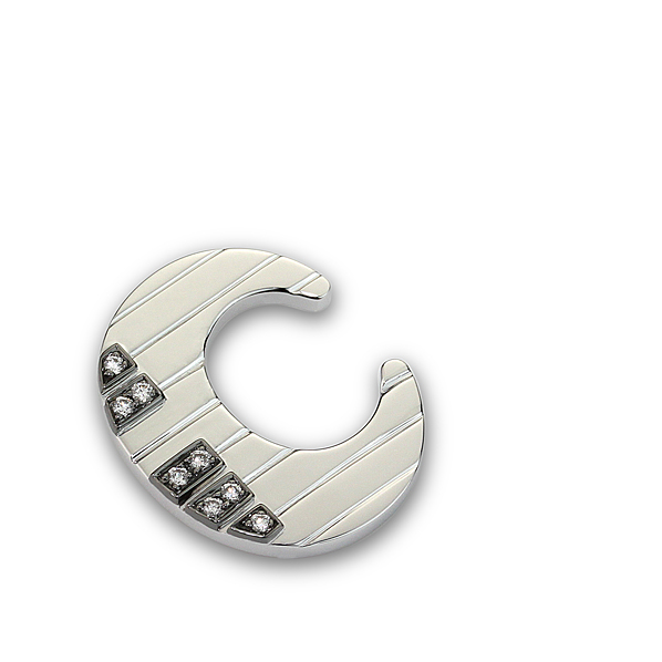 C 黑鍵與白鍵墜飾